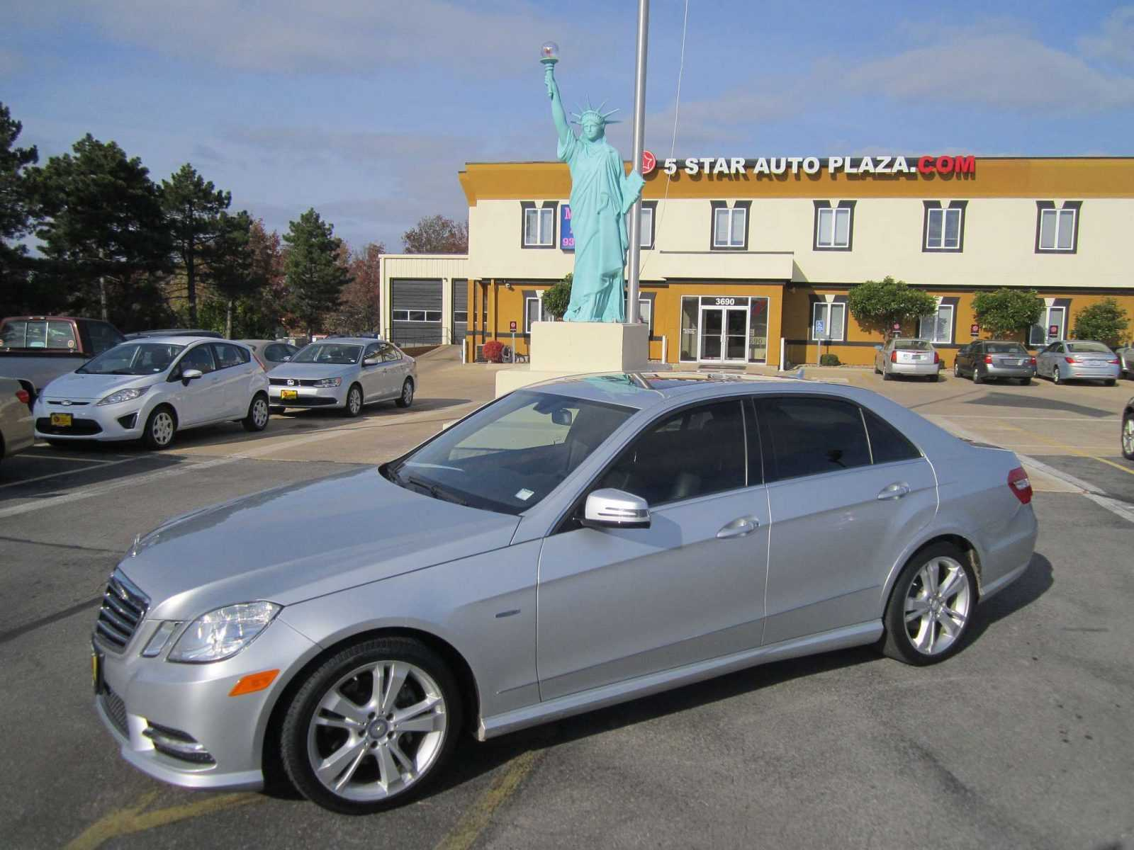 Pre owned mercedes cars for sale in st charles mo for Plaza mercedes benz service