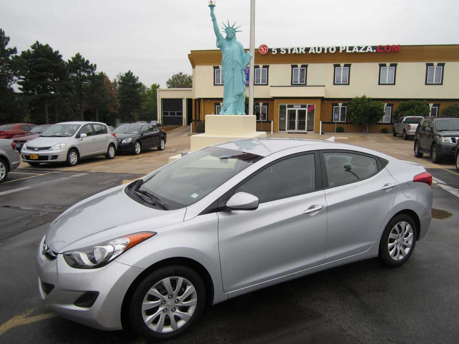 Pre owned hyundai cars for sale in st charles mo finder for Plaza mercedes benz st louis