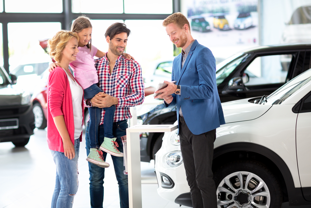 What to Consider When You Visit a Car Dealer in St. Louis