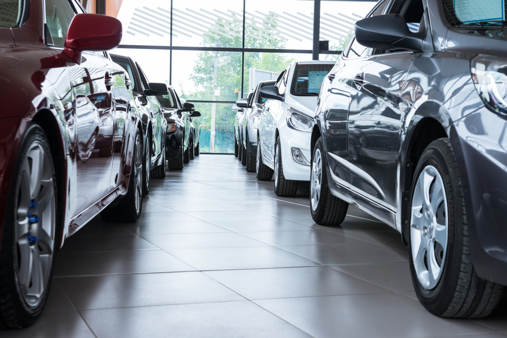 Visiting a Car Dealer in O'Fallon to Buy Pre-Owned Inventory